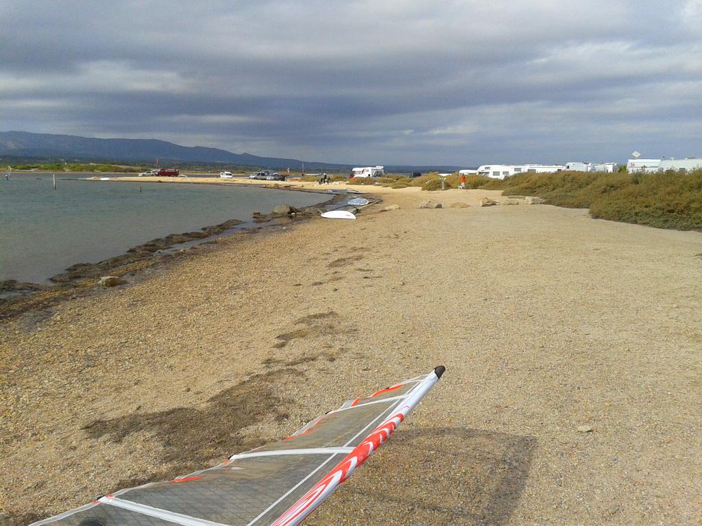 Windsurfen_Etang_de_Leucate_2011-10-22_14.33.56.jpg