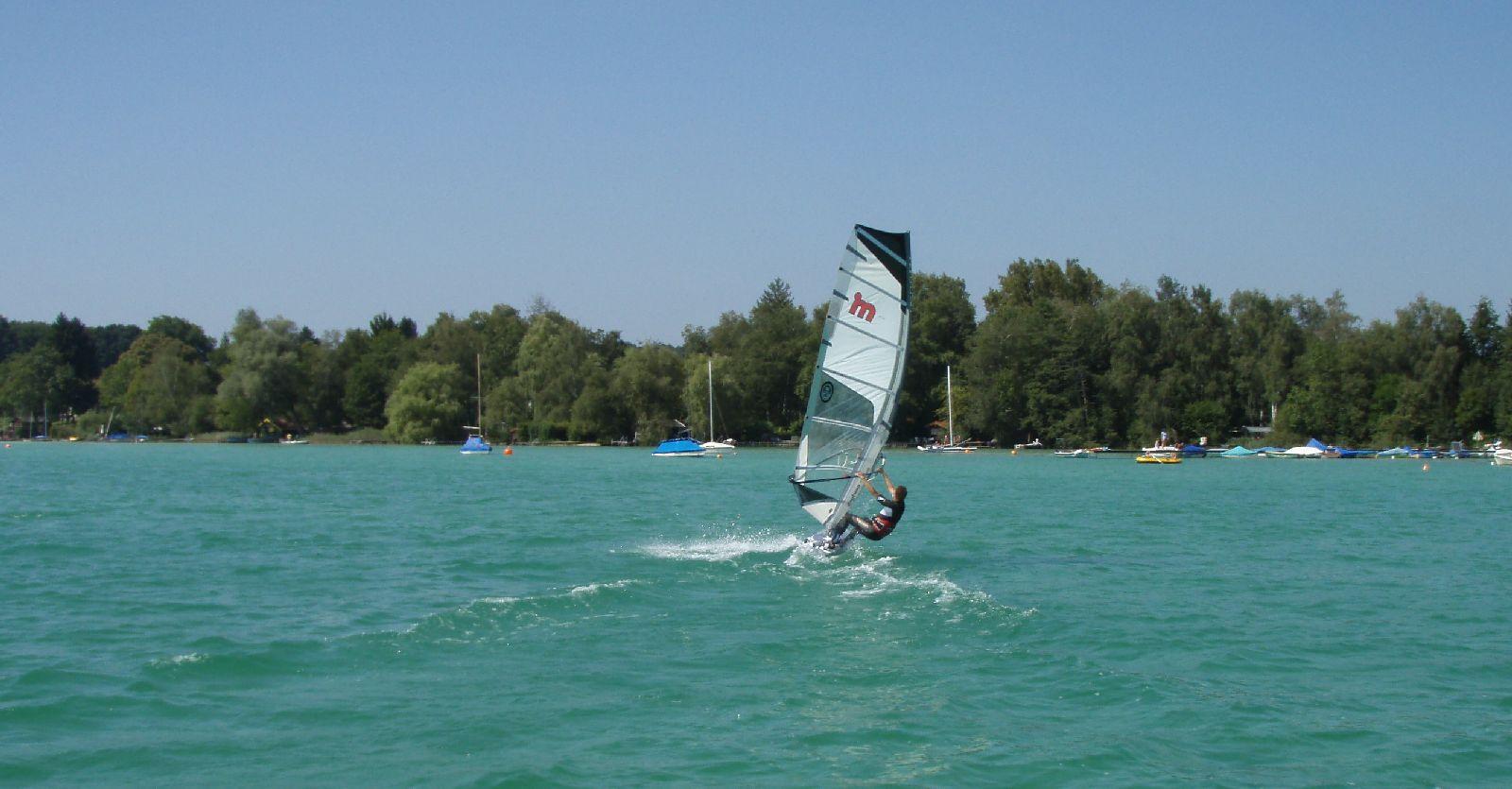 Windsurfen_Woerthsee_P8300055.JPG