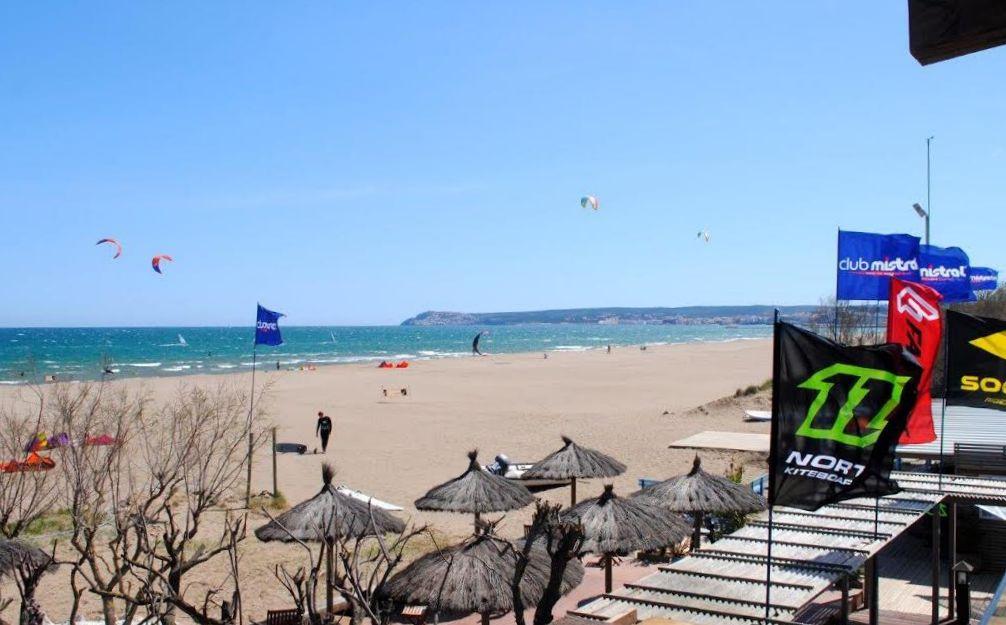Windsurfen_SantPerePescador_Beach.jpg