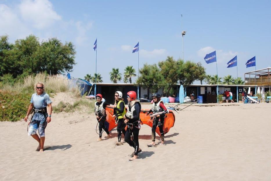 Windsurfen_SantPerePescador_Kids_kite.jpg